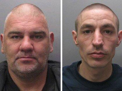 Gary 'Stretch' Richards (47) y Leslie Layton (36) fueron sus cómplices en los crímenes. Con Gary ella soñaba ser más famosa que Bonnie and Clyde (Cambridgeshire Police/PA Wire)