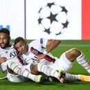 Neymar y Kylian Mbappé celebran el triunfo del PSG después del partido ante Atalanta por cuartos de final de la Liga de Campeones. David Ramos/Pool via REUTERS