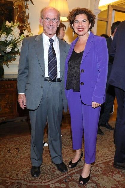 Jorge Mandelbaum, presidente del Consejo de Administración de CIPPEC, y la directora ejecutiva de CIPPEC, Julia Pomares
