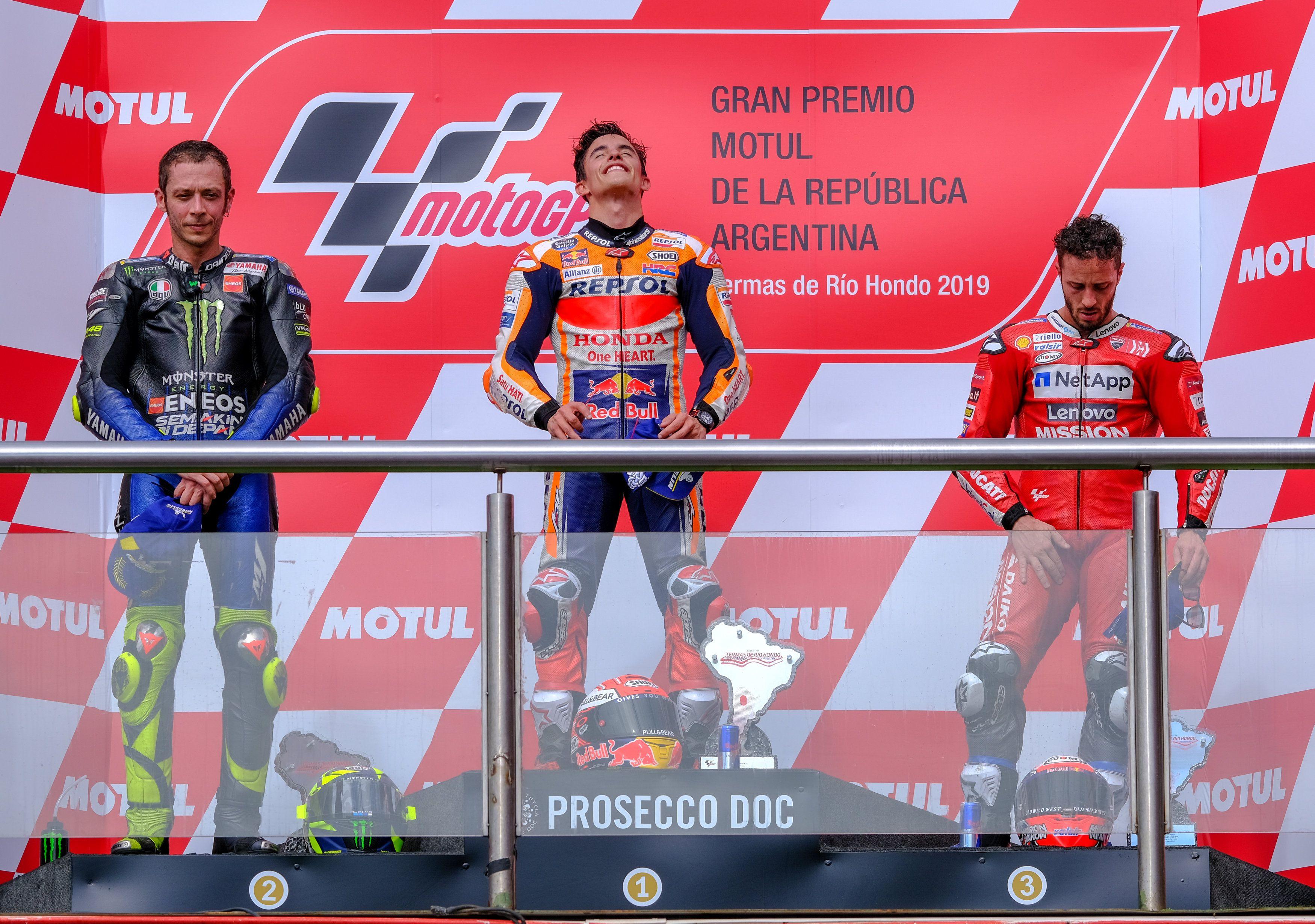 El podio del 2019 con Marc Márquez, Valentino Rossi y Andrea Dovizioso (REUTERS/Rafael Marrodan/Photocall3000)