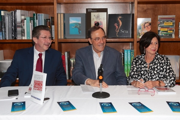 El panel de análisis liderado por Carlos Sánchez Berzaín, Carlos Alberto Montaner y María Teresa Romero