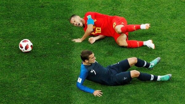 Eden Hazardy Antoine Griezmann durante el encuentro de semifinales que le otorgó el pase al partido definitivo a laselección francesa (Reuters)