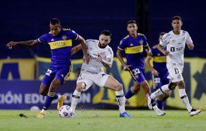 Boca visitará al Santos con el objetivo de lograr un triunfo que lo consolide en la Copa Libertadores: hora, TV y formaciones