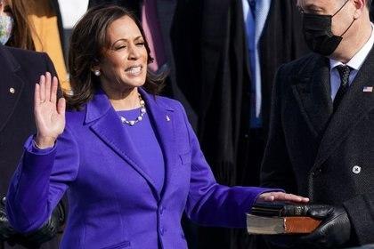 Kamala Harris jura como vicepresidenta de Estados Unidos. (Foto: Kevin Lamarque/Reuters)