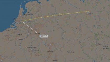 El trayecto que recorrió el avión de Angela Merkel debido a un desperfecto técnico