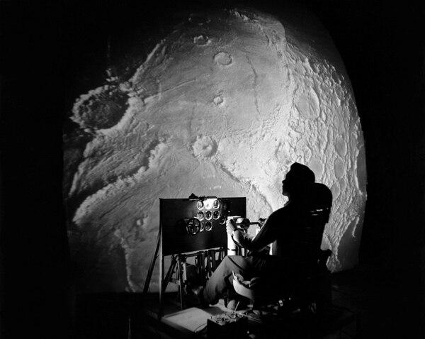 """Algunas teorías aseguran que Stanley Kubrick estuvo al frente de la """"película"""" del alunizaje"""