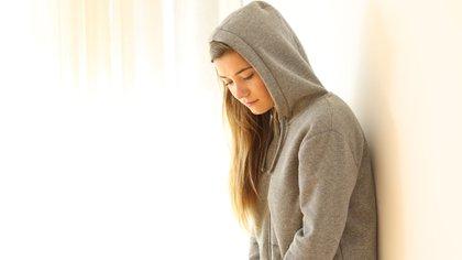 Es posible que una profunda inseguridad y una baja autoestima lleven a desarrollar una personalidad narcisista (Getty Images)
