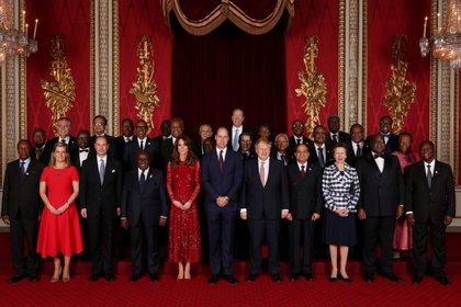 El príncipe William y Kate Middleton estuvieron al frente de la recepción en el Palacio de Buckingham en el marco de la cumbre de inversión Reino Unido - África (Yui Mok via REUTERS)