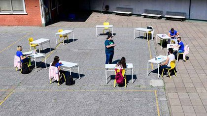 Actividades presenciales en una escuela de Monte Castro