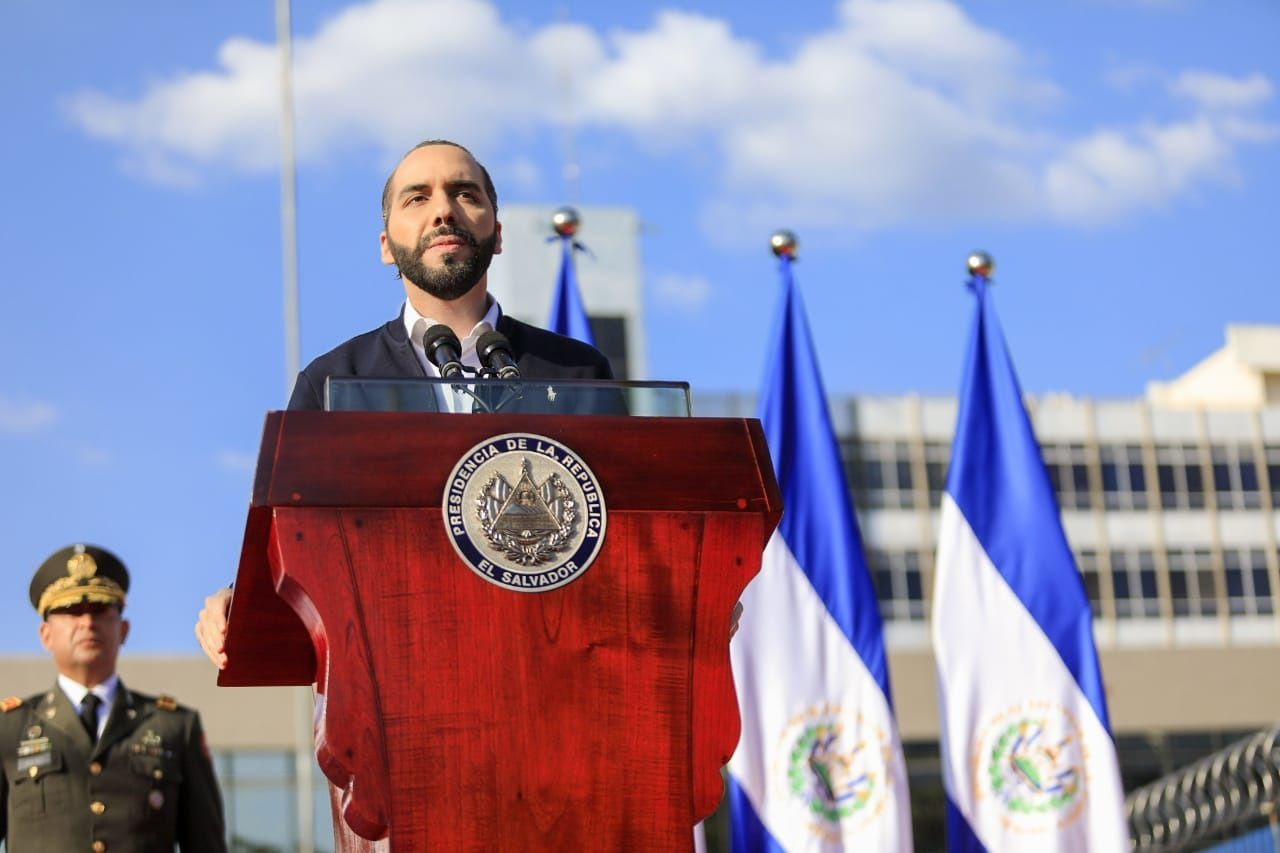 10/02/2020 El presidente de El Salvador, Nayib Bukele, se dirige a sus simpatizantes tras la sesión extraordinaria de la Asamblea Legislativa. POLITICA ESPAÑA EUROPA MADRID INTERNACIONAL TWITTER @ELCONSEJOSV