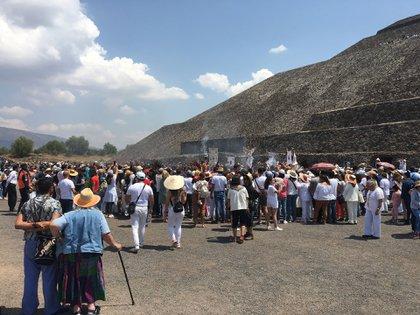 Los grupos tradicionales piden a los turistas no actuar de manera irrespetuosa (Foto: Infobae)