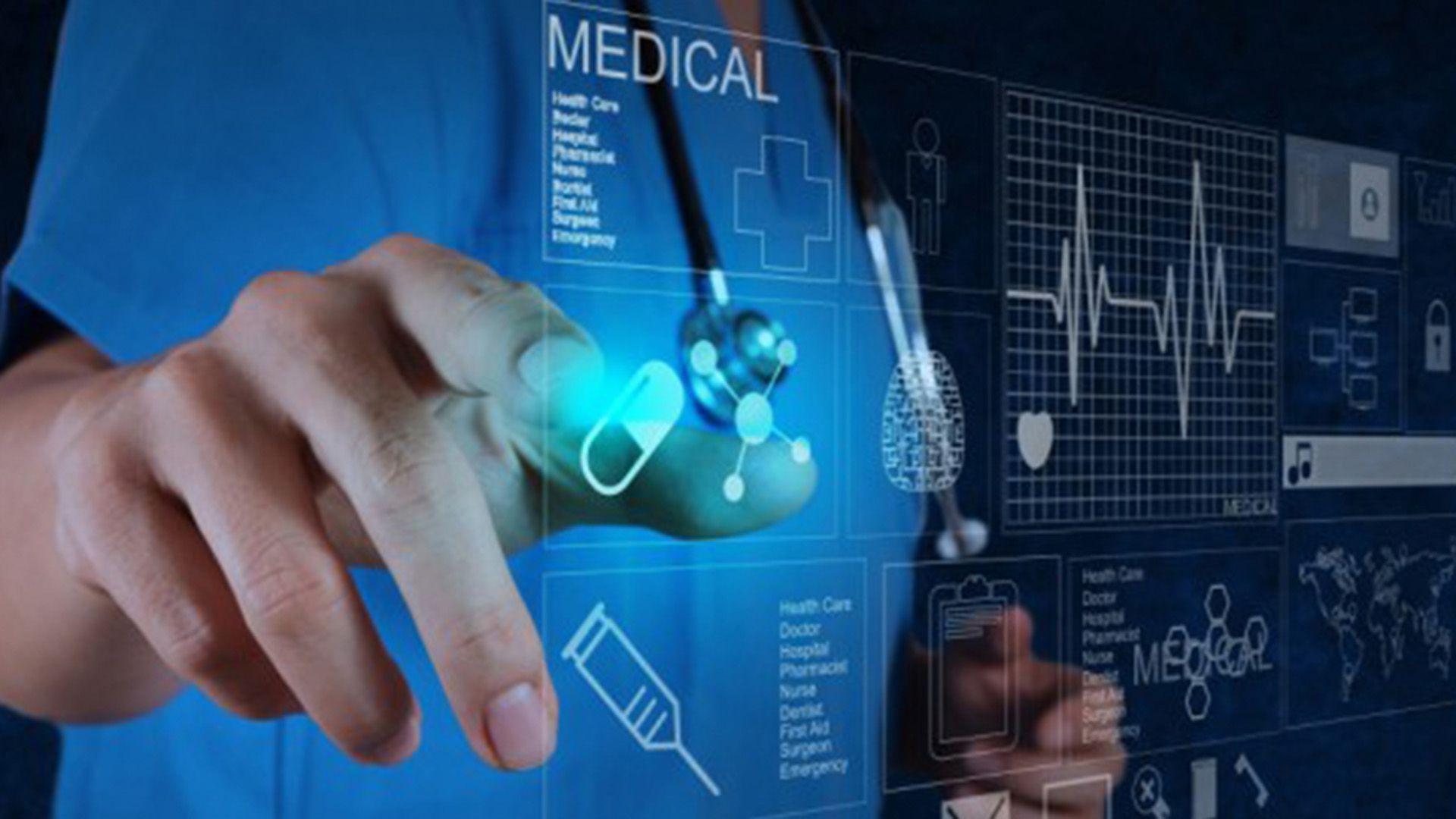 """""""En 30 años la persona más pobre del planeta puede obtener mejor atención médica en su teléfono celular que la persona más rica de hoy obtiene en los mejores hospitales y con los mejores médicos"""", ilustró Harari."""