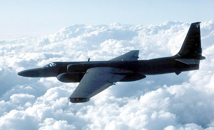 Un avión espía U-2 en vuelo