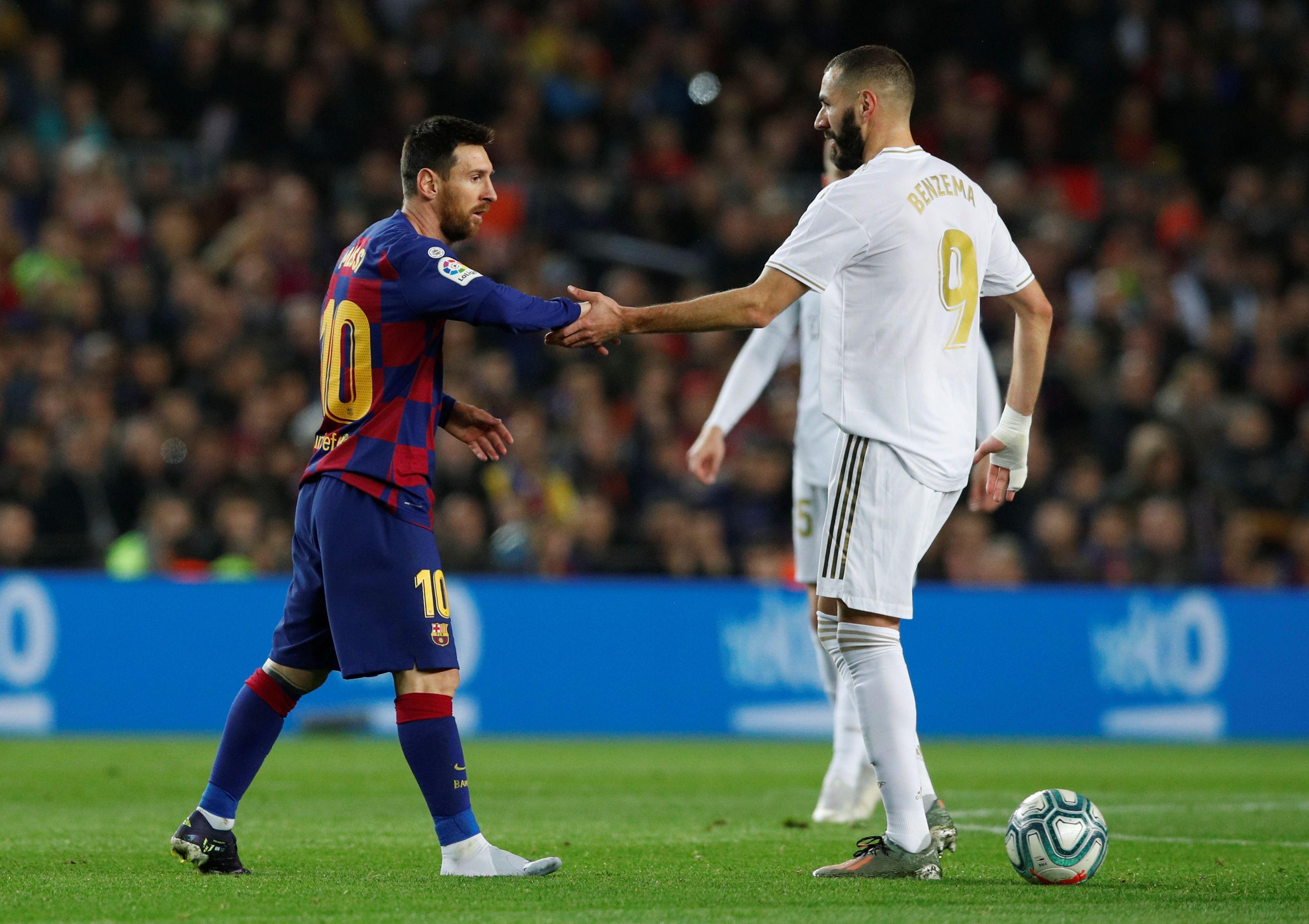 Pese a la infinidad de ocasiones en la que lo enfrentó, Benzema no cree que Messi sea uno de los mejores regateadores del mundo (Reuters)