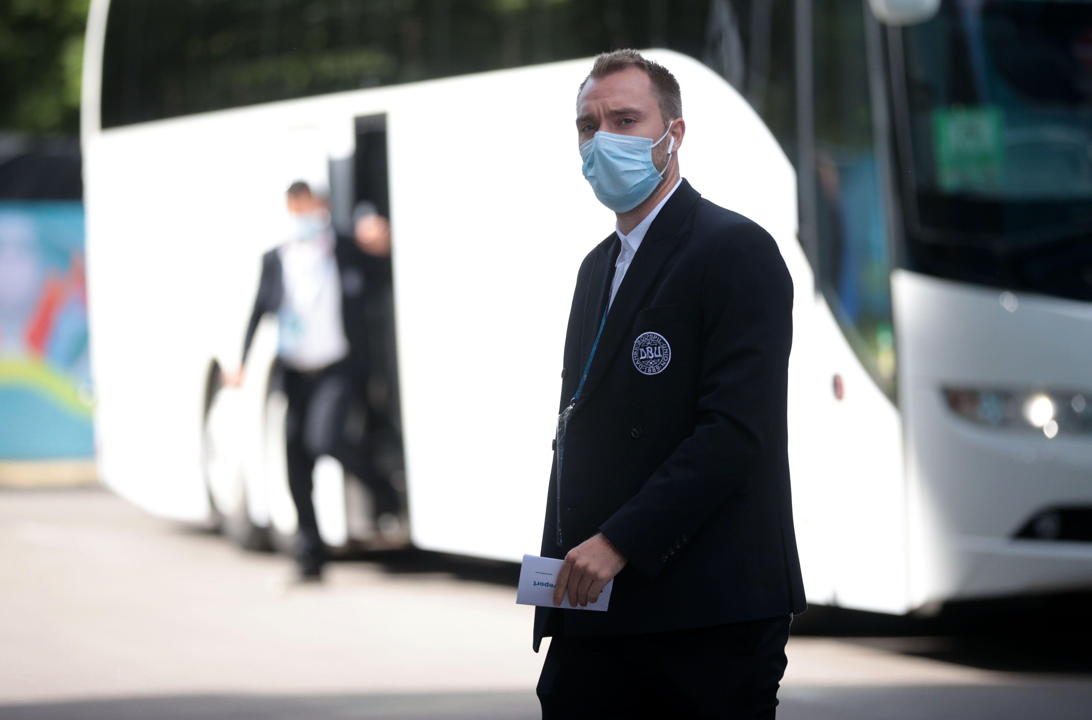Christian Eriksen en el arribo al estadio Parken de Copenhague, donde fue suspendido Dinamarca-Finlandia tras su desvanecimiento (REUTERS/Hannah Mckay)