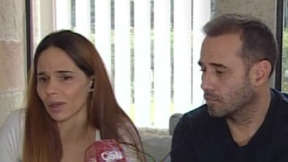 La conductora Melisa Zurita junto al empresario Gustavo Holstein tras el ataque de la ex mujer de su esposo