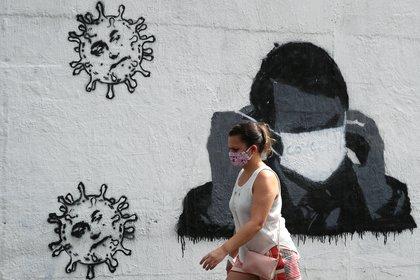 Bolsonaro, quien ha minimizado la pandemia, anunció que sufre la enfermedad (Reuters)