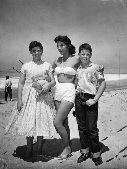Hedy Lamarr con dos de sus hijos. (Getty)