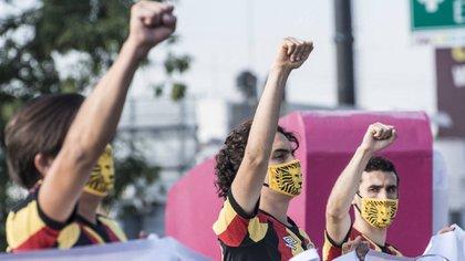 Leones Negros salieron a las calles en plena fase tres de la pandemia de COVID-19 para protestar por la eliminación del Ascenso MX hace unos meses (Foto: Twitter/ @VikingoDavalos6)