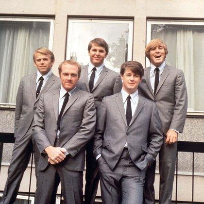 The Beach Boys, en 1964 (Dezo Hoffman/Shutterstock)