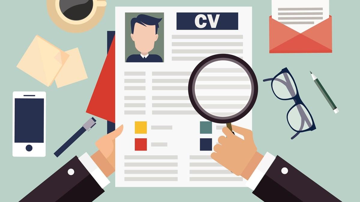 Por qué en Estados Unidos el currículum ya va sin nombre - Infobae