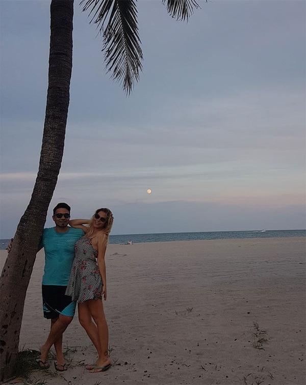 Con Fabián Fuentes, su pareja desde hace un año y medio (Foto: Instagram)