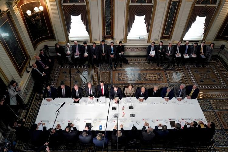 Una de las rondas de negociaciones, en la Casa Blanca (Reuters/Archivo)