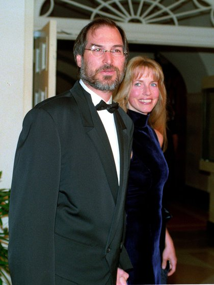 Steve Jobs, junto a su esposa Laurene Powell Jobs (White House, Washington DC, USA - 29 Oct 1997)