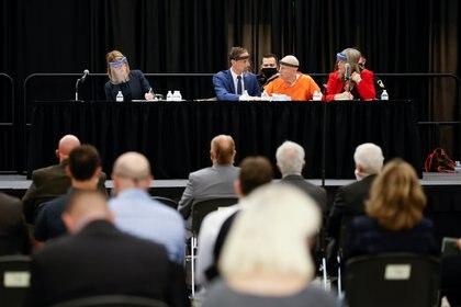 "La audiencia en la que el ""Golden State Killer"" se declaró culpable. Foto: REUTERS/Fred Greaves"