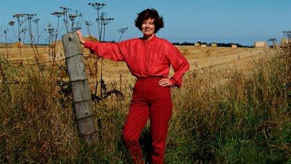 La escritora Anne Perry ocultó muchos años su oscuro pasado y su verdadera identidad. Ganó varios premios con el éxitos de sus libros policiales (Getty Images)
