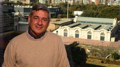 Nicolás Pino, es productor agropecuario y comercializador de carnes. Desde muy joven ocupó diferentes cargos en la Sociedad Rural Argentina, como delegado y director