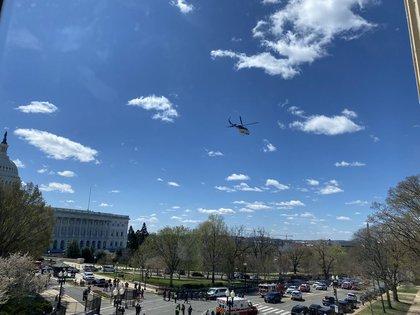 En medio del cierre del Capitolio, un helicóptero aterrizó en el lugar