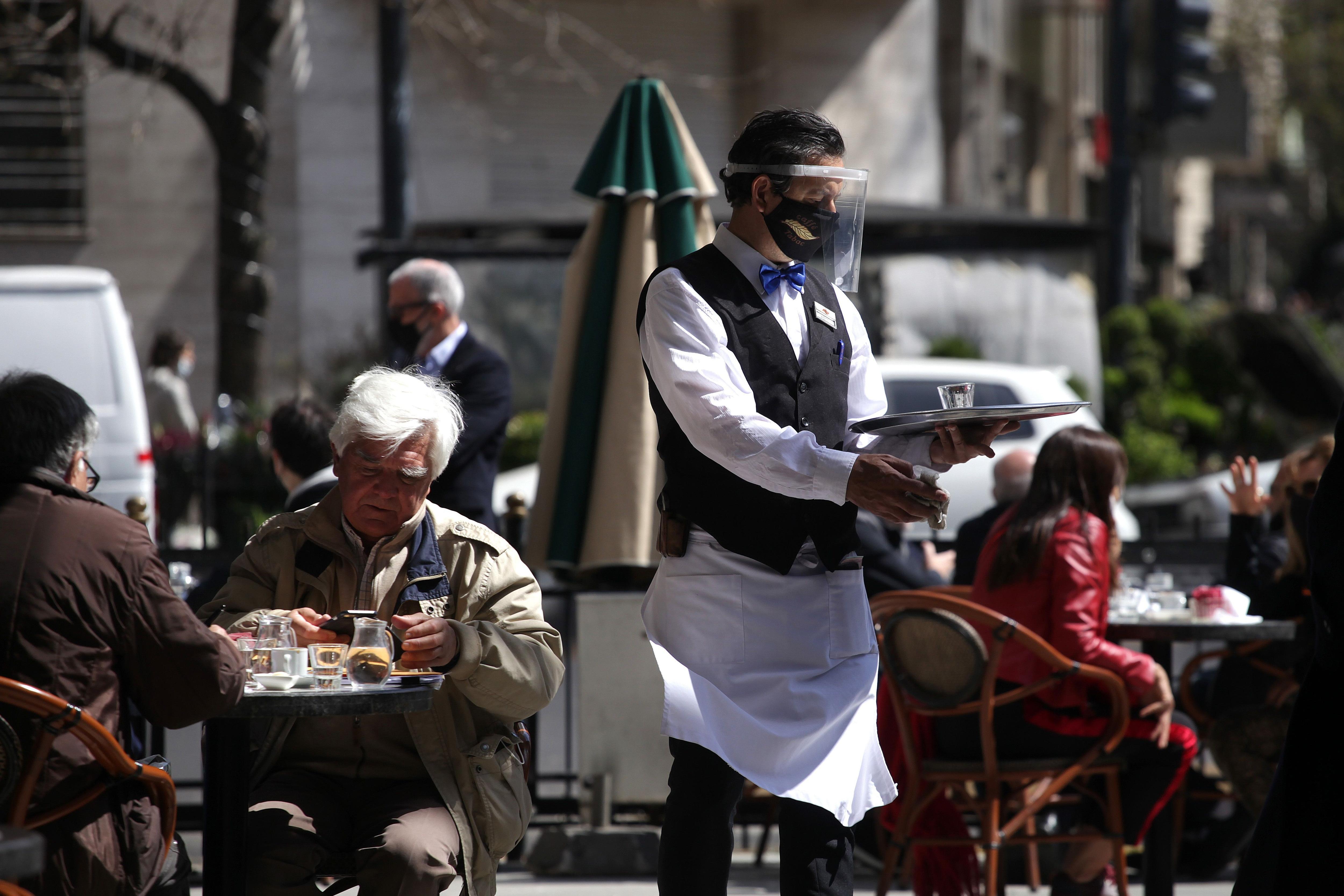 El Gobierno, la ciudad y la provincia de Buenos Aires analizan pasar de ASPO a DISPO