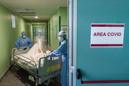 Un hospital en Milán (COZZOLI/FOTOGRAMMA / ZUMA PRESS)