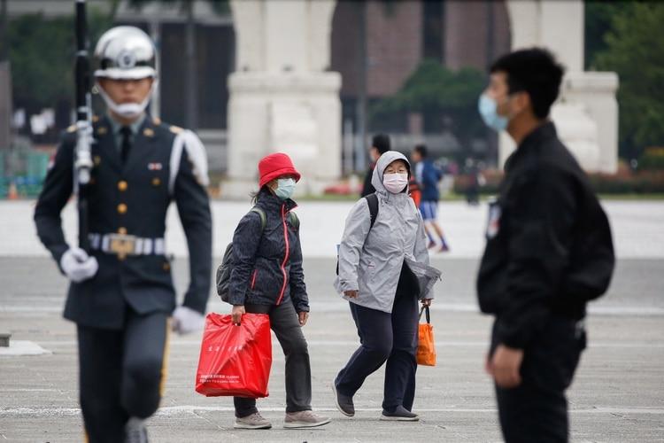 El coronavirus puso en alerta al mundo (REUTERS/Ann Wang)
