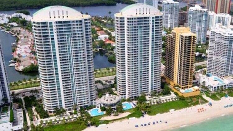 En Turnberry Ocean, en Miami Muñoz, compró uno de los departamentos