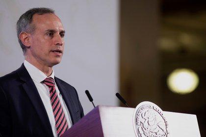 """""""Se está haciendo cada vez más lenta la epidemia (...) Hemos aplanado la curva"""", dijo López-Gatell. (Foto: EFE/Presidencia de México)"""