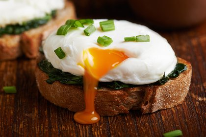 La yema de huevo aporta vitamina D(Shutterstock)