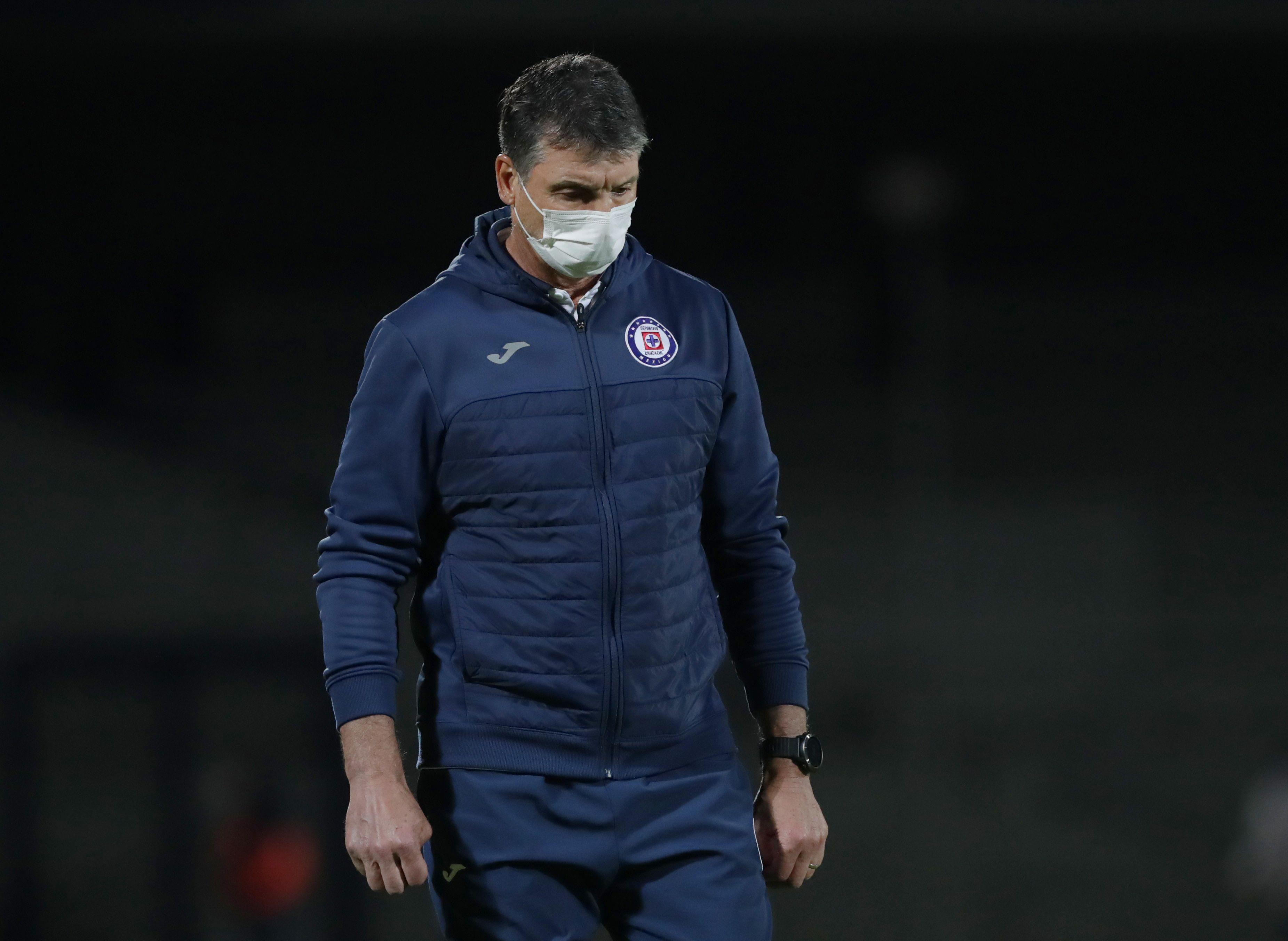 Robert Dante Siboldi rechazó que renunciará a Cruz Azul por la histórica remontada de los Pumas (Foto: Henry Romero/ Reuters)