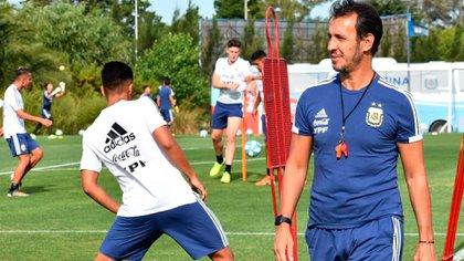 Fernando Batista es el entrenador de la selección argentina Sub 23 (@afaseleccion)