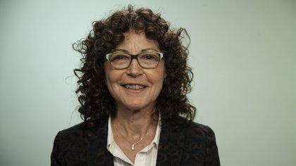 La médica infectóga argentina Isabel Cassetti también experta en el estudio del VIH/sida criticó las declaraciones del premio Nobel Luc Montagnier, y se mostró positiva frente al tratamiento con remdesivir para infermos por la COVID-19 (Crédito: Santiago Saferstein)