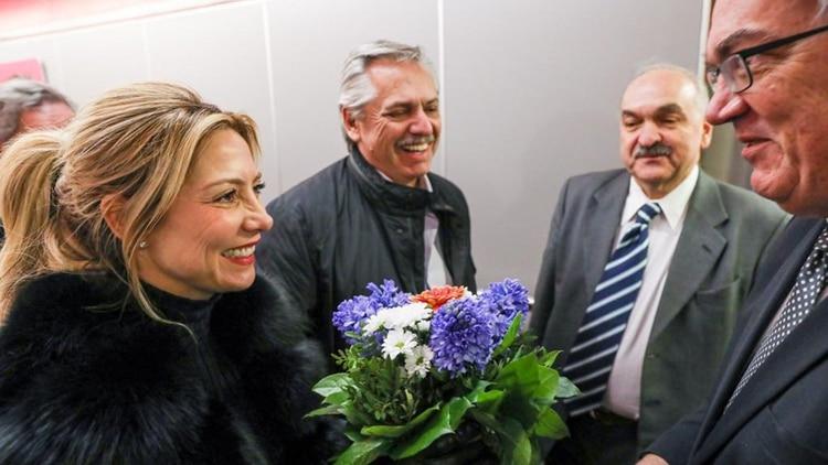 Alberto Fernández cuando llegó el domingo a Berlín. Mañana a primera hora viaja a Madrid, siempre en vuelos de línea (Presidencia)