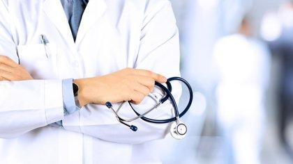Investigadores recomiendan ingerir no más de 1.200 miligramos de ibuprofeno por día (iStock)