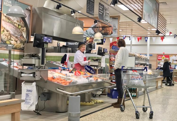 Un supermercado de la cadena Tesco cerca de Liverpool (REUTERS/ Phil Noble)