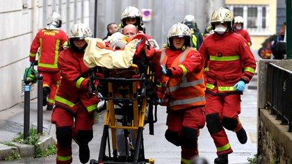 Dos personas resultaron heridas en el ataque (Photo by Alain JOCARD / AFP)