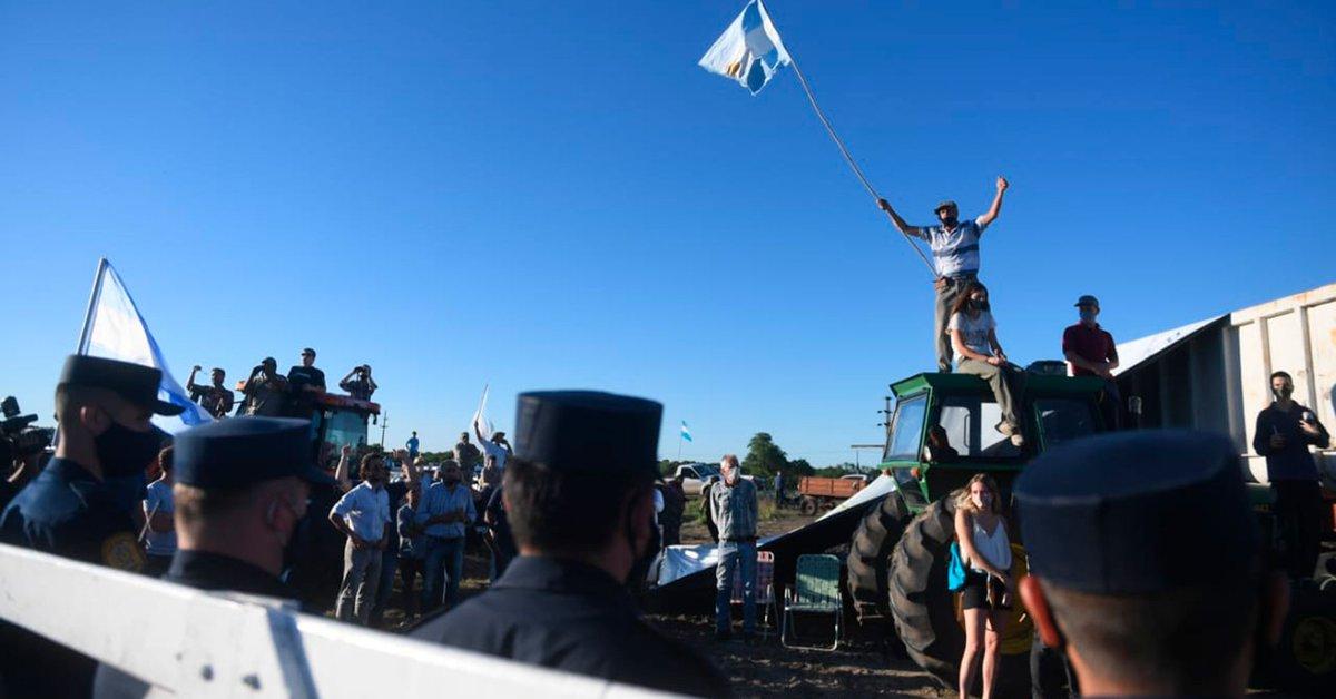 Conflicto en el campo de los Etchevehere: tras la marcha de los movimientos  sociales, se aguarda una resolución judicial - Infobae