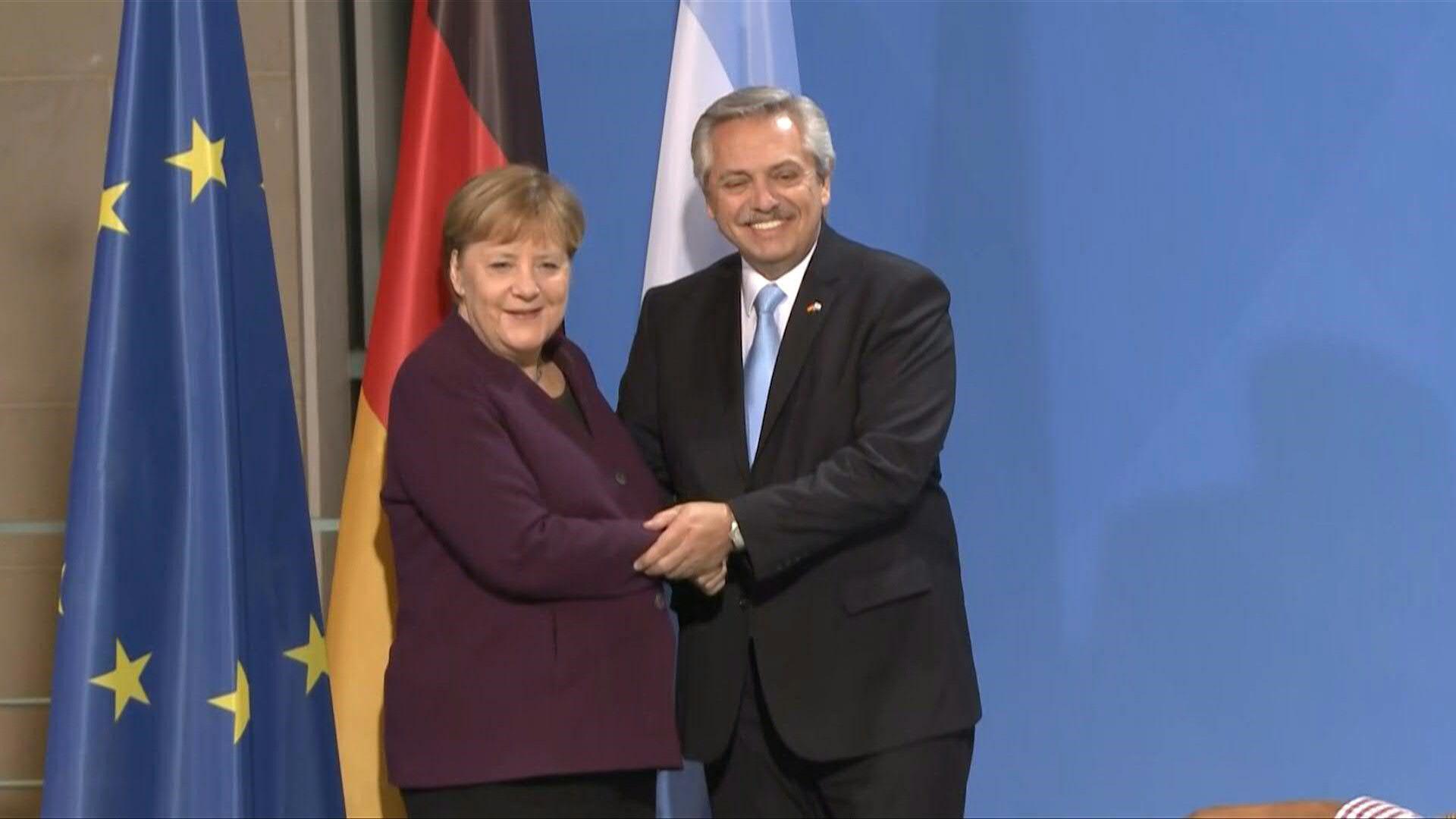 Ángela Merkel y Alberto Fernández en Berlín antes de la cena en la Cancillería alemana
