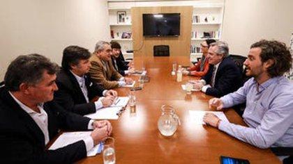 Una reunión entre el equipo que hoy es gobierno y la Mesa de Enlace del campo