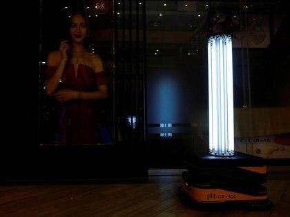 Los rayos ultravioleta se pueden utilizar para reducir el riesgo de transmisión, según una investigación (Reuters)