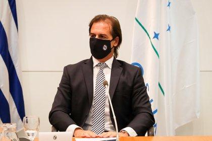 En plena crisis sanitaria, el presidente de Uruguay, Luis Lacalle Pou, flexibilizó medidas tributarias para atraer la radicación de empresas extranjeras (EFE)